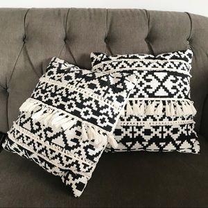 Set of 2 Aztec Tassel Throw Pillows